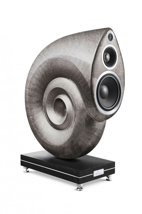 AMATI-2011-Speaker-Large-Stone is a composing by Schalterhalle post production and Tobias Winkler - Retouching Munich.