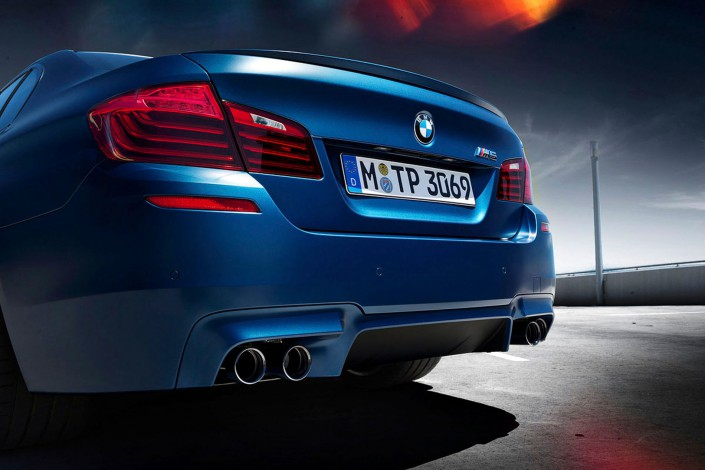 BMW M5 - Matt Paint 03 is a car look composing by Schalterhalle post production and Tobias Winkler - Retouching Munich.