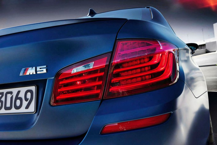 BMW M5 - Matt Paint 06 is a car look composing by Schalterhalle post production and Tobias Winkler - Retouching Munich.