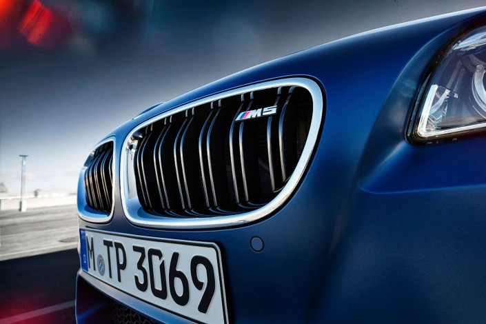 BMW M5 - Matt Paint 07 is a car look composing by Schalterhalle post production and Tobias Winkler - Retouching Munich.