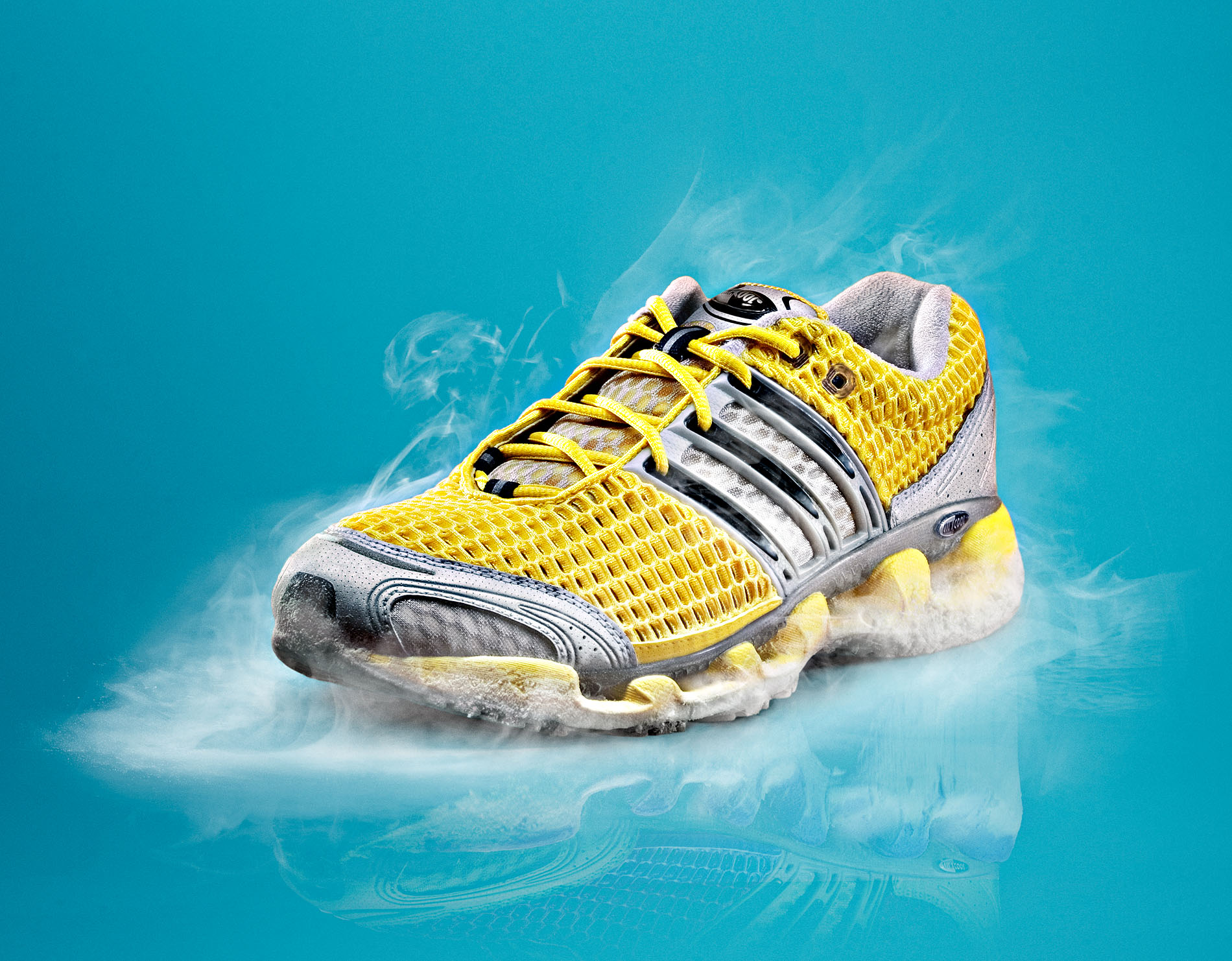ADIDAS Clima Cool is a composing by Schalterhalle post production and Tobias Winkler - Retouching Munich.