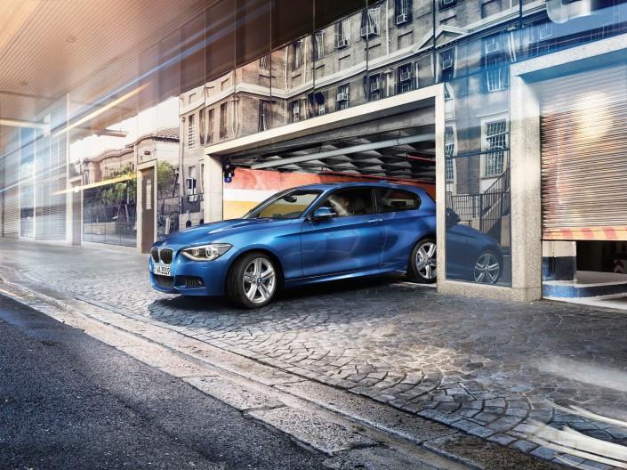 BMW 1er - Kapstadt 05 ist ein Look-Composing der Schalterhalle Postproduktion und Tobias Winkler - Bildbearbeitung München.