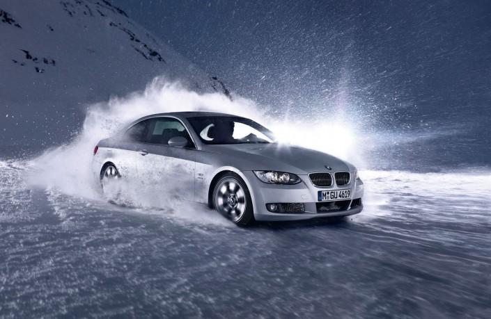 BMW 3 Coupé X-Drive ist ein Composing der Schalterhalle Postproduktion und Tobias Winkler - Bildbearbeitung München.