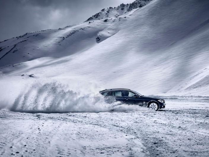 BMW 3 X-Drive ist ein Composing der Schalterhalle Postproduktion und Tobias Winkler - Bildbearbeitung München.