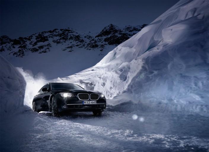 BMW 7 X-Drive ist ein Composing der Schalterhalle Postproduktion und Tobias Winkler - Bildbearbeitung München.