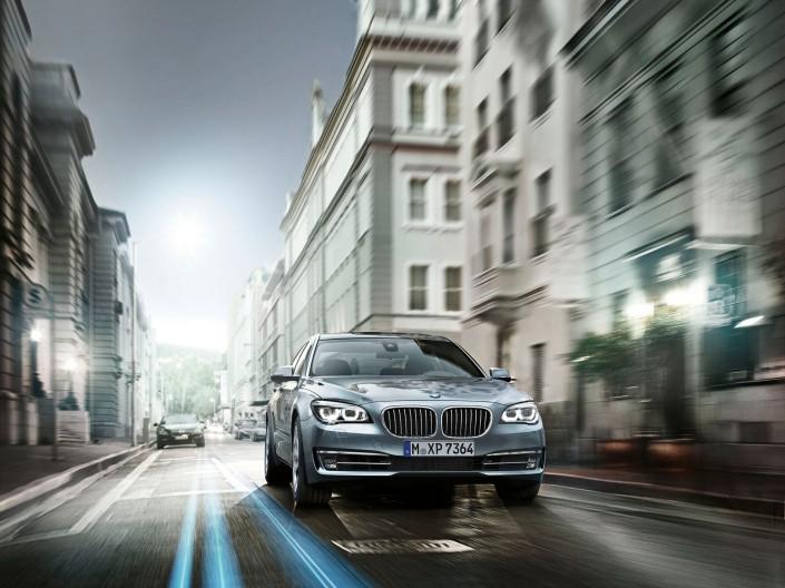 BMW 7er 01 ist ein Composing der Schalterhalle Postproduktion und Tobias Winkler - Bildbearbeitung München.