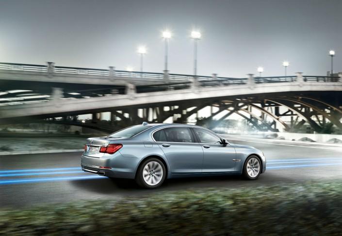 BMW 7er 02 ist ein Composing der Schalterhalle Postproduktion und Tobias Winkler - Bildbearbeitung München.