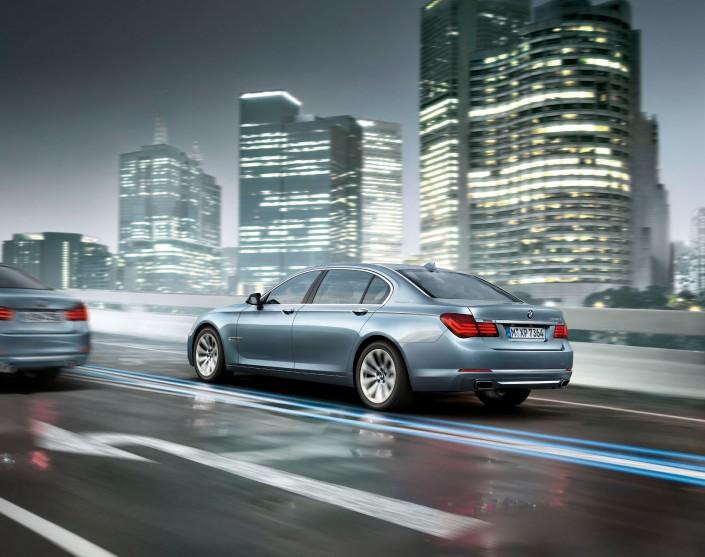BMW 7er 03 ist ein Composing der Schalterhalle Postproduktion und Tobias Winkler - Bildbearbeitung München.