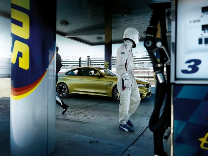 BMW M3 & M4 – Phoenix 3 ist ein Composing der Schalterhalle Postproduktion und Tobias Winkler - Bildbearbeitung München.