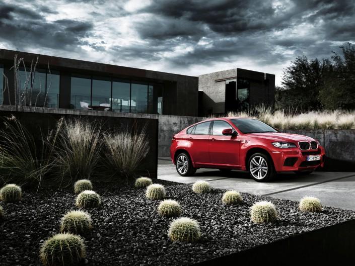 BMW X6M -1 ist ein Car Look Composing der Schalterhalle Postproduktion und Tobias Winkler - Bildbearbeitung München.