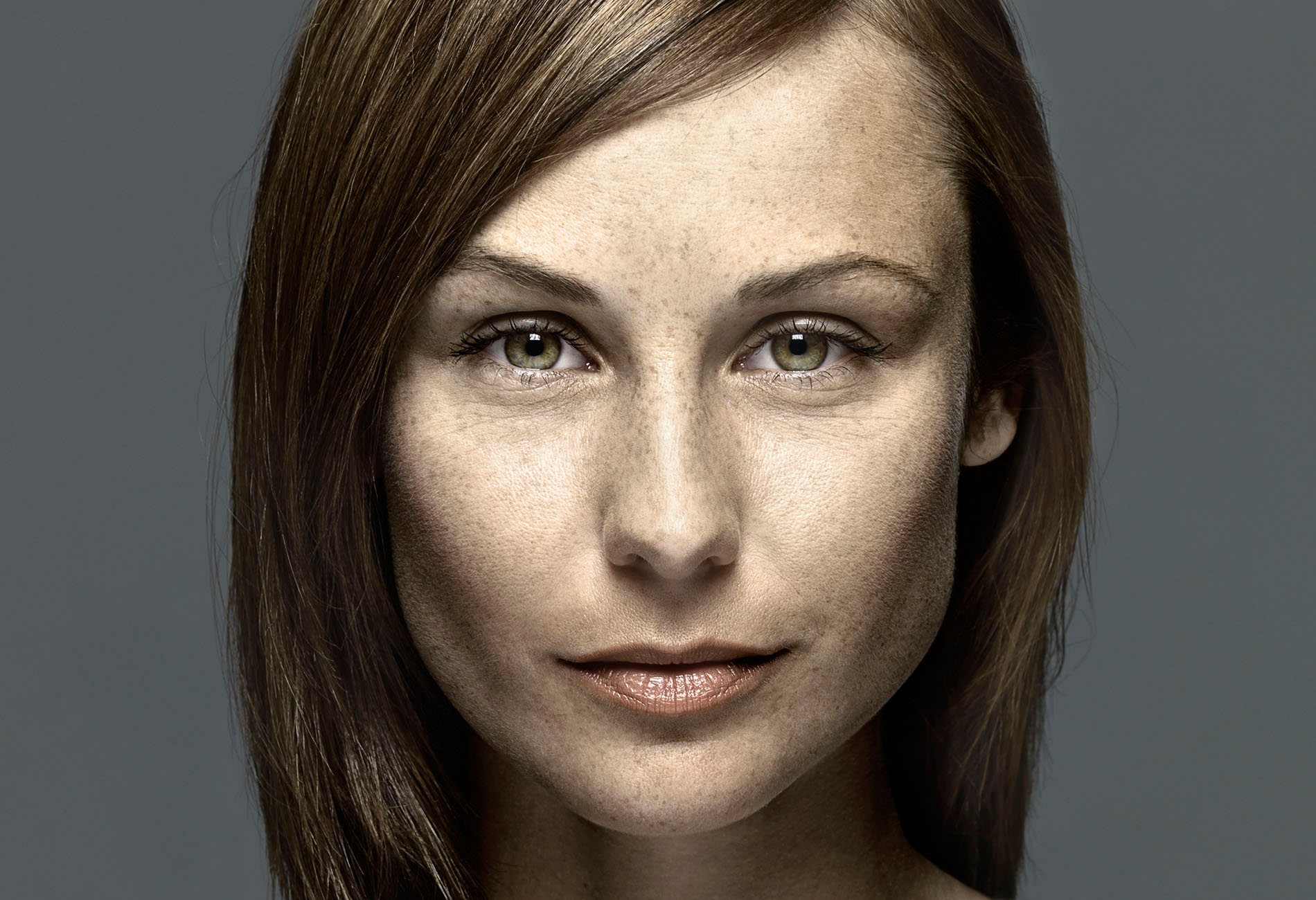Portraitretusche is a people retouching project by Schalterhalle post production and Tobias Winkler Imaging.
