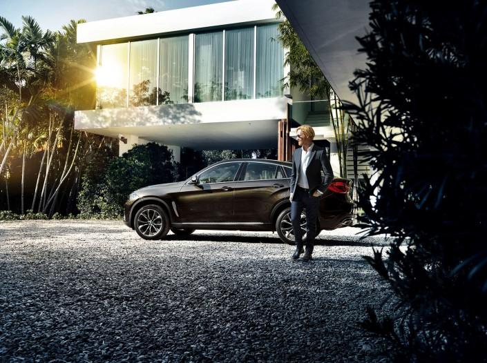 BMW X6 - Miami 03 ist ein Car Look Composing der Schalterhalle Postproduktion und Tobias Winkler - Bildbearbeitung München.