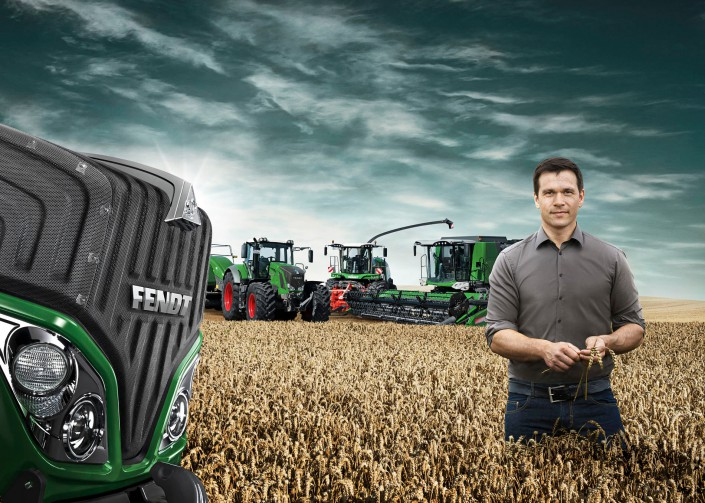 FENDT Corn Field Group 2 is a composing by Schalterhalle post production and Tobias Winkler - Retouching Munich.