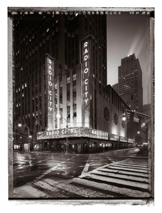NEW YORK 2009 Radio City ist ein Kunst Retusche Projekt der Schalterhalle Postproduktion und Tobias Winkler - Bildbearbeitung München.