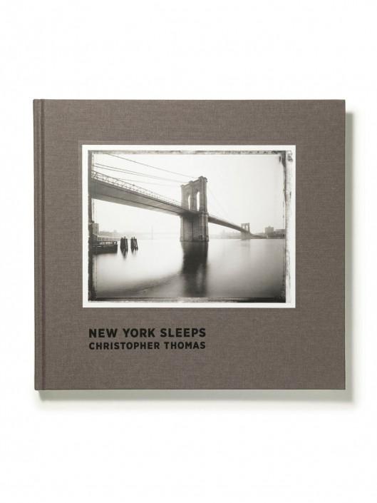 NewYork-Sleeps Foto Buch ist ein Composing der Schalterhalle Postproduktion und Tobias Winkler - Bildbearbeitung München.