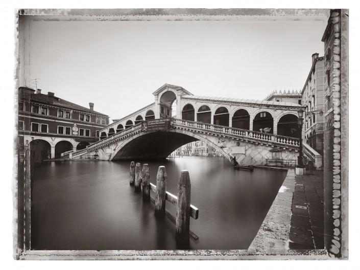 VENEZIA 2011 - 29 ist ein Composing der Schalterhalle Postproduktion und Tobias Winkler - Bildbearbeitung München.