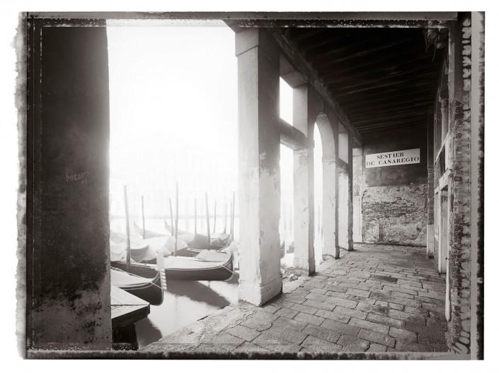 VENEZIA 2011-10 ist ein Kunst Retusche Projekt der Schalterhalle Postproduktion und Tobias Winkler - Bildbearbeitung München.